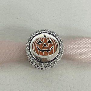 Pandora halloween pumpkin charm